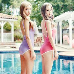 Korean Fashion #chuu_official .