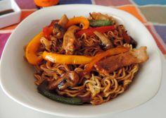 Fideos chinos con cerdo y gambas. Cocinando con las chachas Blog.