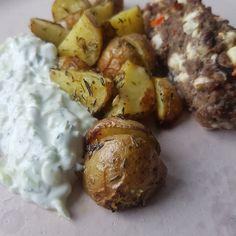 Inspiration til sunde opskrifter - 45 lækre og sunde opskrifter. Tzatziki, Baked Potato, Cucumber, Recipies, Food And Drink, Mac, Vegetables, Ethnic Recipes, Desserts