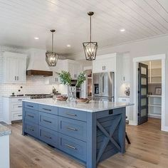KITCHEN- There's just something so inviting about the soul-calming appeal of a country style kitchen! Farmhouse kitchen design tugs at the heart as it lures the senses with elements of an earlier… Modern Farmhouse Kitchens, Farmhouse Kitchen Decor, Home Decor Kitchen, Kitchen Interior, Home Kitchens, Kitchen Decorations, Custom Kitchens, Farmhouse Style, Farm Kitchen Ideas