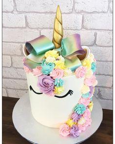 Jojo Siwa birthday party ideas. Jojo Siwa Unicorn Bow Cake.  Remember Wrhel.com - #Wrhel