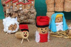 Christmas Nativity, Winter Christmas, Christmas Stockings, Xmas, Decor Crafts, Diy And Crafts, Wine Bottle Corks, Navidad Diy, Christmas Decorations
