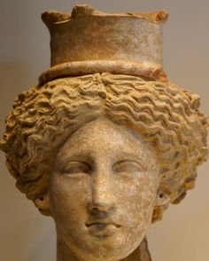 Head of Demeter or Kore statue - from Sicily, made in Terracotta, circa BC, ancient Greek culture Ancient Egyptian Art, Ancient Greece, Ancient History, Architecture Classique, Art Et Architecture, Celtic Goddess, Roman Gods, Classical Period, Terracota