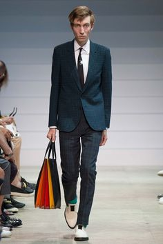 Catwalk photos and all the looks from Paul Smith Spring/Summer 2016 Menswear Paris Fashion Week