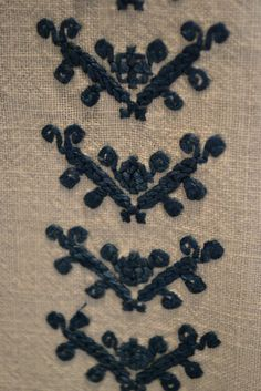 Romanian blouse - ie - detail. Points, Projects To Try, Textiles, Costume, Embroidery, Detail, Architecture, Blouse, Needlepoint
