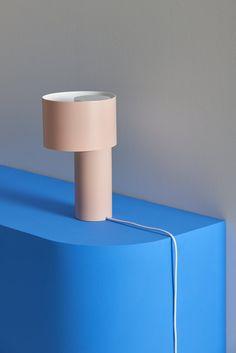 TANGENT_TABLE_LAMP_Frederik_Kurzweg_02.jpg