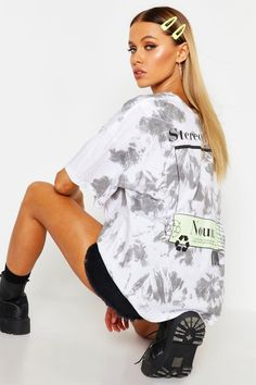 Womens Stereotypical Tie Dye Oversized T-Shirt - grey - S Studio Photography Poses, Clothing Photography, Photography Women, Fashion Photography, Tie Dye Fashion, Emo Fashion, Fashion Dresses, Blusas Oversized, Jordan Rose