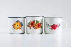 Vintage enamel mugs - Set of 3 white mugs - Floral decor - Soviet enamelware - Russian retro