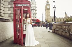 Pronovis IT Brides Barcelona. Check out my shooting in London wearing 8 gorgeous dresses!