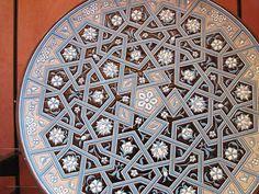 Islamic plate Mosaic Patterns, Pattern Art, Geometric Patterns, Arabesque, Arabian Decor, Photo Letters, Islamic Patterns, Islamic Architecture, Patterns In Nature