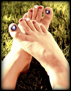 Patriotic toe nails!! 4th of July toes!! DIY super easy...