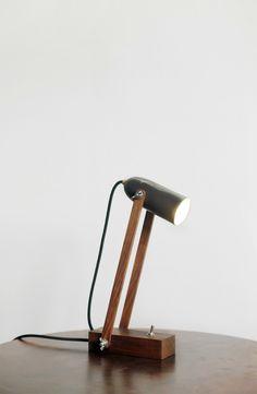 Angle lamp