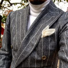 You can quit wondering what things to choose to work to appear as stylish since you do outside of the workplace. Mens Fashion Suits, Mens Suits, Pinstripe Suit, Moda Casual, Well Dressed Men, Sports Jacket, Gentleman Style, Looks Style, Gray Jacket