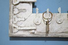 Rám z klíčů, slouží jako věšák na klíče...