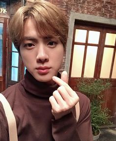 Jin 🐑 muster in busan Bts Jin, Jimin, Jungkook Jeon, Bts Bangtan Boy, Bts Boys, Jhope, Seokjin, Namjoon, Taehyung