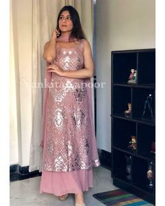 #salwarsuit #salwarsuits #SalwarSuitOnline #salwarsuitmaterial #salwarsuitspartywear #salwarsuitneckdesigns Party Wear Indian Dresses, Indian Fashion Dresses, Dress Indian Style, Indian Designer Outfits, Pakistani Dresses, Indian Outfits, Designer Dresses, Salwar Suits Party Wear, Indian Designers