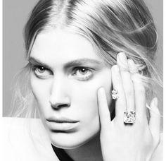 La bague diamant 24 carats de Repossi http://www.vogue.fr/joaillerie/le-bijou-du-jour/diaporama/la-bague-diamant-24-carats-de-repossi/14883#!2
