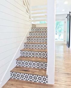 Lovely use of tiles on stair risers. They look stunning against the wood of the steps. Lovely use of tiles on stair risers. They look stunning against the wood of the steps. Home Design, Design Ideas, Style At Home, Home Renovation, Home Remodeling, Tile Stairs, Tiled Staircase, Wooden Stairs, Basement Stairs