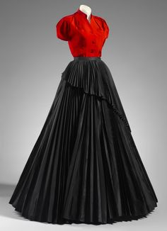 Dress Christian Dior, 1952 National Gallery of Victoria