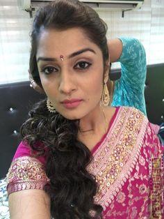 South Indian Actress Hot, Indian Actress Photos, Indian Actresses, Beautiful Girl Indian, Most Beautiful Indian Actress, Beautiful Saree, Cute Beauty, Real Beauty, Most Beautiful Faces