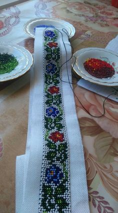 Curele .mici Different Stitches, Cross Stitch Borders, Baby Girl Dresses, Loom Beading, Beaded Embroidery, Diy Furniture, Beaded Jewelry, Diy And Crafts, Crafty