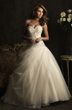 I know Im already married, BUT this is GORGEOUS!