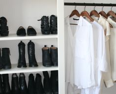 A minimalist closet Minimalist Closet, Minimalist Home Decor, Minimalist Living, Minimalist Design, Perfect Wardrobe, My Wardrobe, Capsule Wardrobe, Simple Style, My Style