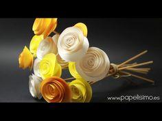 Tutorial: Cómo hacer flores de papel fáciles. En el tutorial de hoy vamos a aprender hacer este ramo de rosas amarillas con papel. Pasos: - Dibuja un círculo...