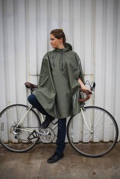 Glen Plaid Rain Cape from Cleverhood. Cycle To Work, Rain Cape, Cycling Outfit, Cycling Clothes, Women's Cycling, Bike Clothing, Cycling Jerseys, Cycling Equipment, Urban Bike