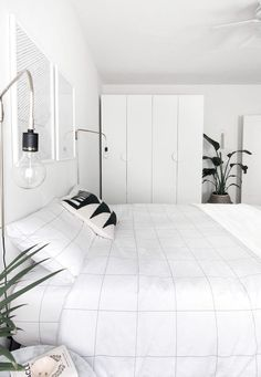 Modern Minimalist Bedroom Design Ideas You Can Copy Home Decor Bedroom, Scandinavian Design Bedroom, Bedroom Inspirations, Minimalist Bedroom Design, Home Bedroom, Bedroom Interior, Bedroom Design, White Bedroom Decor, Minimalist Home Decor