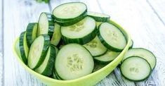 7 Days – 7 Kg Less (Cucumber Diet) The cucumbers are amazing vegetables. They are packed with nutrients and health benefits. Cucumbers contain vitamins and minerals. Cucumber Canning, Cucumber Salad, Cucumber Benefits, Healthy Vegetables, Calories, Kefir, Vitamins And Minerals, Health Diet, Healthy Life