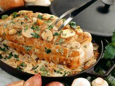 Rollbraten vom Kalb mit Pilz-Sahne-Sauce ist ein Rezept mit frischen Zutaten aus der Kategorie Kalb. Probieren Sie dieses und weitere Rezepte von EAT SMARTER!