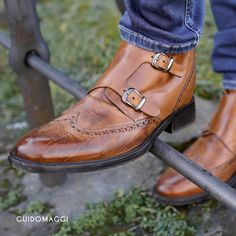 GuidoMaggi provides handmade luxury Italian Best Elevator Shoes for men and women. Our designer Shoes will increase your height with a hidden insert. Spring Collection, Designer Shoes, Oxford Shoes, Dress Shoes, Elevator, Luxury, Stylish, Women, Fashion