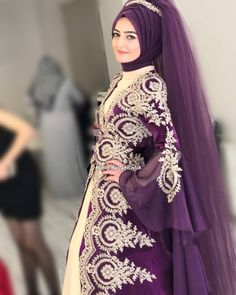 You will find different rumors about the real history of the marriage dress; tesettür First Narration; Muslim Wedding Gown, Red Wedding Dresses, Bridal Dresses, Bridesmaid Dresses, Hijabi Wedding, Islamic Fashion, Muslim Fashion, Hijab Fashion, Fashion Dresses