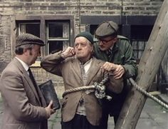 Last of the Summer Wine - Episode Mending Stuart's Leg - Compo about to go up onto the roof of the Cafe to mend the tiles. British Sitcoms, British Comedy, Last Of Summer Wine, English Comedy, Uk Tv Shows, Wine Direct, Wine Subscription, Tv Series, Bill Owen