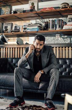 Mens Fashion Blazer, Mens Fashion Sweaters, Men Fashion Show, Mens Fashion Week, Men's Fashion, Jesse Metcalfe, Editorial Fashion, Sexy Guys, Sexy Men