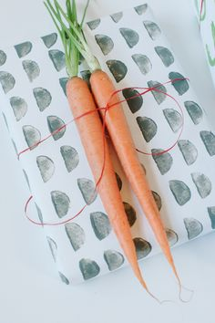 DIY carrot stamped wrapping paper, and stamping ideas with other veggies too. Plus, some other wrapping ideas which would be great for envelopes as well!