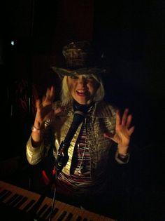 she-hellcat-hammond and vox organ!!!
