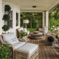 Coastal New England style in a Minnesota Lake House - Coastal England House .Coastal New England style in a Minnesota Lake House - Coastal England House Lake Minnesota beautiful beach style kitchen designs Farmhouse Landscaping, Small Backyard Landscaping, Landscaping Ideas, Pergola Ideas, Modern Backyard, Pergola Patio, Pergola Kits, Front Patio Ideas, Fromt Porch Ideas
