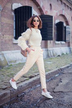 Oversized Pullover mit Fransen