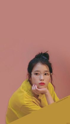 IU very beautiful and she was very beautiful voice and smile and eyes. She the best singer and danser in Korea.