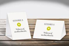 Platzkarten Aufsteller   Design Reduzierte Hochzeitskarte mit Kreis  DIN A6 Hoch- und Querformat  #Platzkarten #Aufsteller  #DINA6 #CHILIPFEFFERdesign   http://www.chilipfeffer-design.de/hochzeit/platzkarten/aufsteller_din_a6/index.html#Reduzierte%20Hochzeitskarte%20mit%20Kreis