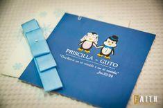 Convites de Noivado Simples azul ilustrado com pinguins