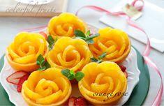 Fruit Plate, Fruit Art, Macaron Sweet, Fruit Crafts, Fruit And Vegetable Carving, Cute Fruit, Fruit Arrangements, Orange Fruit, Food Decoration