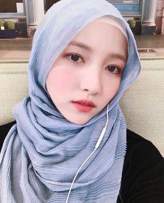 Kpop Girl Groups, Korean Girl Groups, Kpop Girls, Hijab Turkish, Gfriend Sowon, Hijab Chic, G Friend, Girl Hijab, Beautiful Hijab