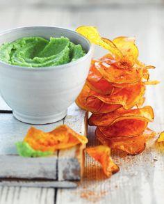 Broccolidip met chips van zoete aardappel http://njam.tv/recepten/broccolidip-met-chips-van-zoete-aardappel