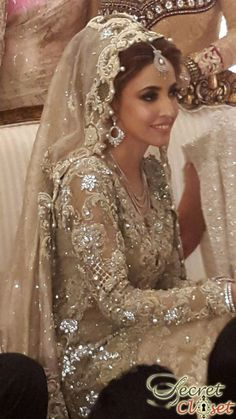 Alisha Hashmi wears Mina Hasan and Élan by Khadijah Shah at her Wedding | Bridal Trends | Secret Closet