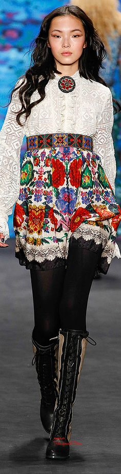 Anna Sui Fall 2015 Ready-to-Wear Fashion Show