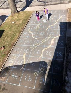 Playing outside with chalk is a great way to alleviate the indoor boredom right now. We've seen awesome ideas, from chalk your walk happy messages to Board Games For Kids, Kids Board, Games For Girls, Diy Board Game, Outside Activities, Fun Activities For Kids, Camping Games For Kids, Outside Games For Kids, Outdoor Fun For Kids