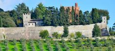Cycle the iconic Tuscan countryside, discover medieval fortresses, taste famous wine and savor Italy's local food treats!